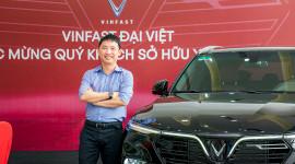 """""""Ông trùm"""" Rolls-Royce Việt Nam nhận VinFast Lux SA2.0"""