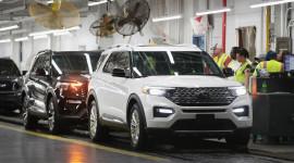 Nhiều hãng xe đóng cửa nhà máy tại Bắc Mỹ do ảnh hưởng của Covid-19