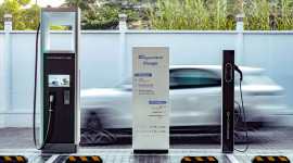 Porsche lắp đặt trạm sạc nhanh đầu tiên dành cho Taycan tại Sài Gòn