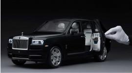 Mô hình Rolls-Royce Cullinan 1:8 mất 450 giờ để hoàn thiện