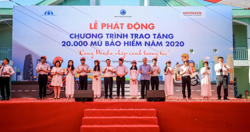 Phát động Chương trình trao tặng 20.000 mũ bảo hiểm năm 2020