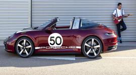 Porsche 911 Targa 2021 chốt giá từ 8,24 tỷ tại Việt Nam