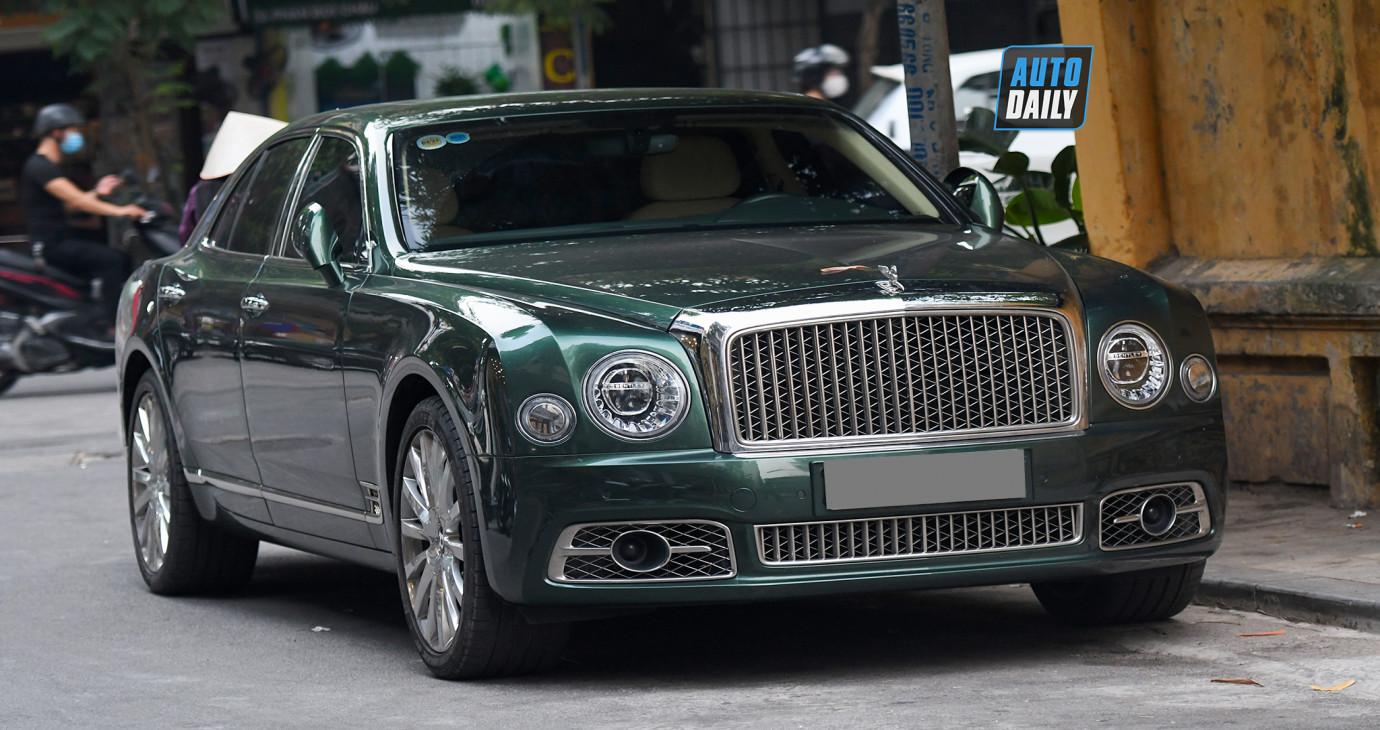 Bentley Mulsanne First Edition sản xuất chỉ 50 chiếc trên phố Việt