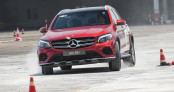 Luyện tập kỹ năng lái xe nâng cao trên xe Mercedes