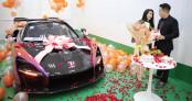 Đại gia Sài Gòn khoe siêu phẩm McLaren Senna tặng vợ