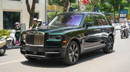 Rolls-Royce Cullinan màu Dark Emerald độc nhất Việt Nam