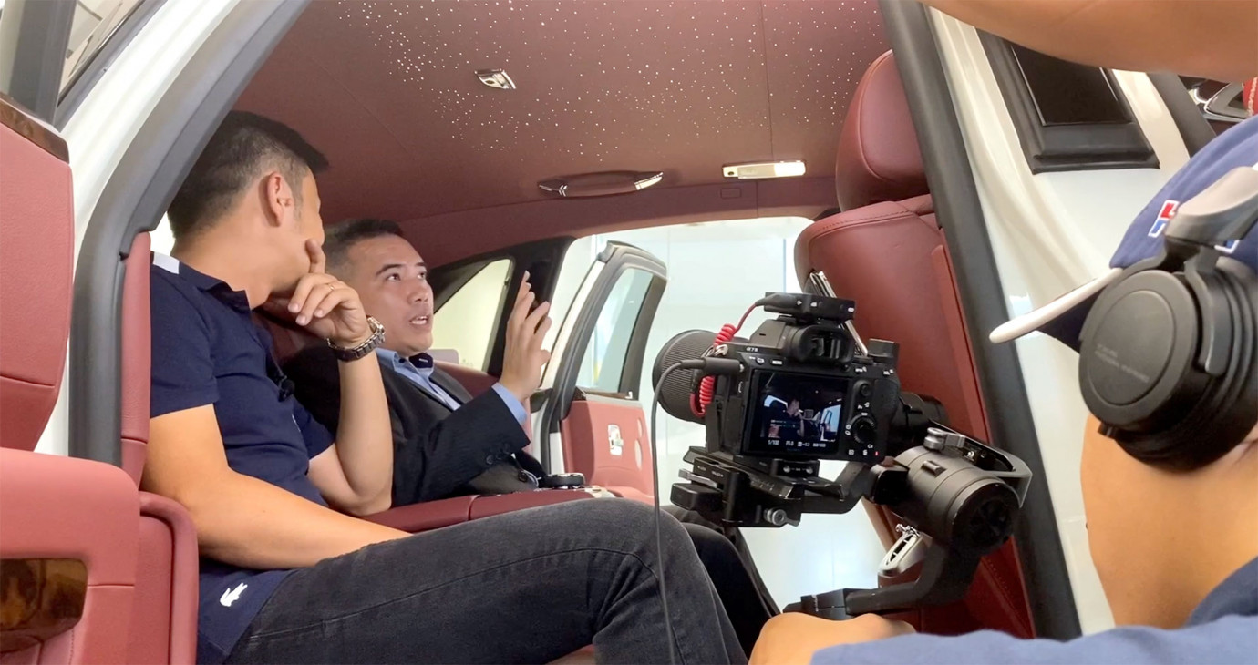 Điều BÍ MẬT về BẦU TRỜI SAO trên xe Rolls-Royce