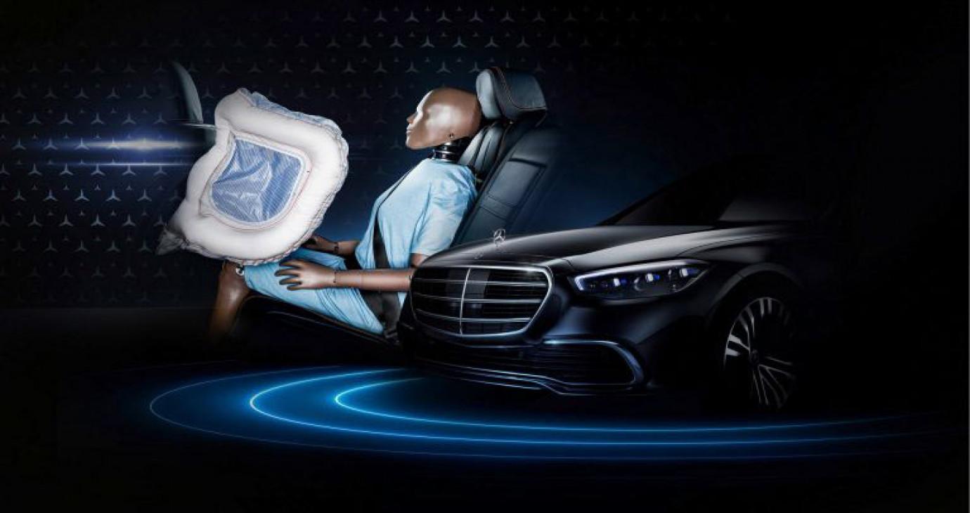 Mercedes S-Class 2021 được trang bị túi khí trước cho hàng ghế sau