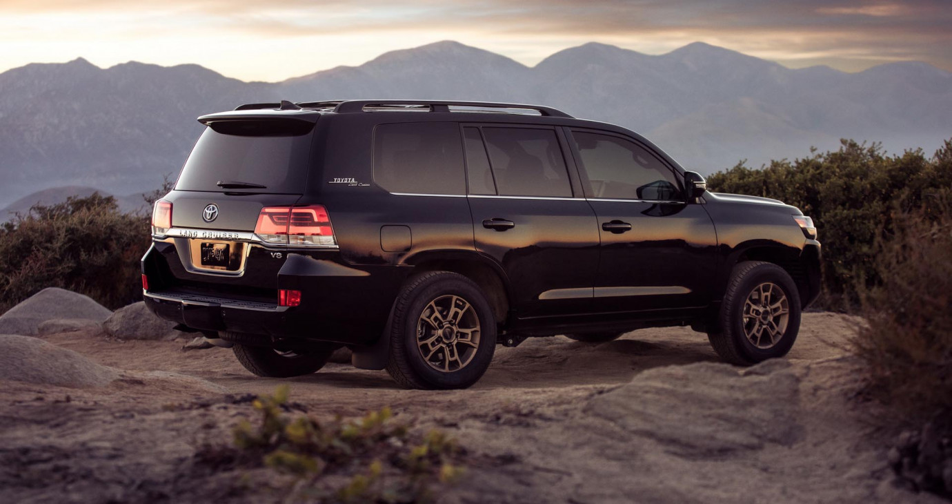 Toyota Land Cruiser Heritage Edition 2021 có thêm tùy chọn hàng ghế thứ 3