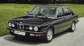 BMW sẽ tạo bất ngờ dịp kỷ niệm 30 năm M5