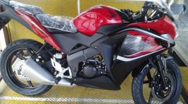 Cạnh tranh với Yamaha R15, Honda nâng cấp CBR150R