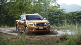 Nissan Navara 2015 chính thức lộ diện