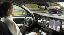 Xe ôtô lái tự động – lợi và hại