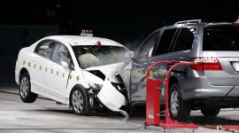 Các hãng xe hơi tiến hành nghiên cứu độc lập như thế nào?