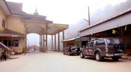 Ngày 2 hành trình Bắc Lào: Tết từ biên giới tới thủ đô