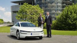 Ôtô tiêu thụ 0,9 lít/100km đầu tiên đến tay khách hàng