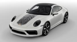Chi 8.100 USD in dấu vân tay lên Porsche 911 đánh dấu độc quyền