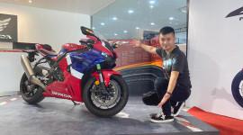 Nghe thử tiếng pô, soi chi tiết siêu mô-tô Honda chính hãng giá một tỷ tại Việt Nam