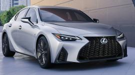 Rộ tin đồn Lexus IS 2021 sắp bán chính hãng tại Việt Nam, đấu C-Class