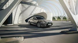Lexus ES 300h 2021 có thêm phiên bản Premium Edition, giá 45.740 USD
