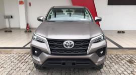 Toyota Fortuner 2021 về đại lý, sẵn sàng cho ngày ra mắt