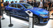 Cận cảnh BMW 5-Series LWB 2021 dài hơn cả 7-Series tại Trung Quốc