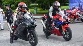 Lái thử bộ đôi 'quái thú' Honda CBR1000RR-R Fireblade và bản đặc biệt SP tại Hà Nội