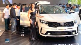 Kia Sorento 2021 về đại lý, khách vây kín xem xe vì quá đẹp