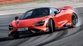 Siêu phẩm McLaren 765LT drift KEN KÉT trên đường đua