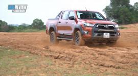 Toyota Hilux 2020: Cá tính hơn, tiện nghi hơn, thách thức Ford Ranger