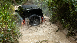 2020 Land Rover Defender 90 OFF ROAD - Xứng danh huyền thoại