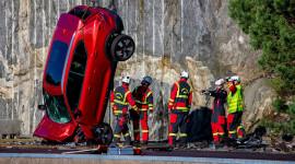 Crash Test - Volvo thả xe rơi tự do từ độ cao 30m để kiểm tra an toàn