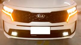Test hệ thống đèn trên Kia Sorento 2021