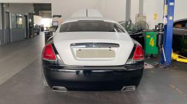 Lần đầu đi thay đồ xe siêu sang Rolls-Royce Wraith