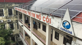 """Piaggio đồng hành cùng dự án từ thiện """"Điện năng lượng mặt trời"""""""