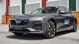 Vượt Camry, VinFast Lux A2.0 dẫn đầu phân khúc Sedan tầm giá 1 tỷ năm 2020
