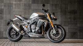 Triumph Speed Triple 1200RS 2021 ra mắt, giá 20.650 USD