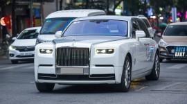 Siêu phẩm Rolls-Royce Phantom VIII 2 màu độc đáo trên phố Hà Nội