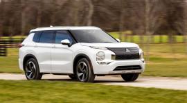 Mitsubishi Outlander 2022 chốt giá từ 26.990 USD, giao xe vào tháng 4