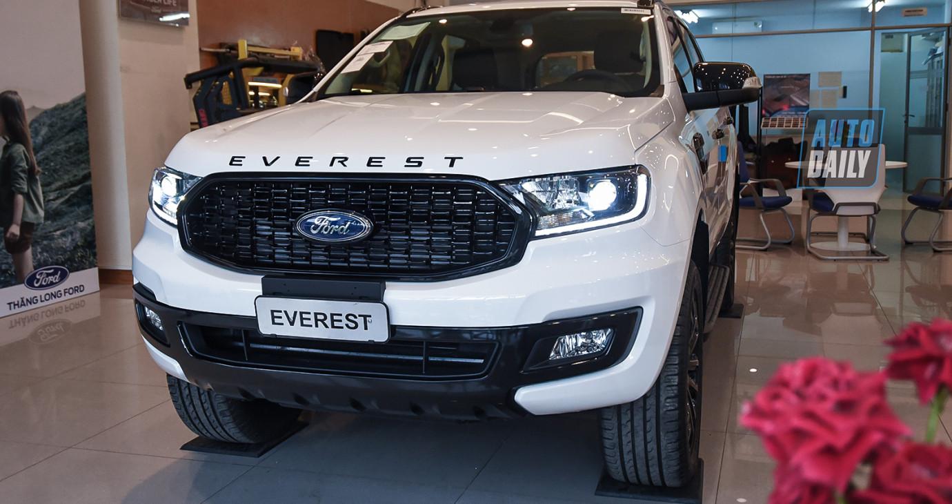 Trải nghiệm HÀNG NÓNG Ford Everest Sport 2021 giá 1,112 tỷ đồng, đấu Toyota Fortuner