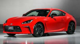 Toyota GR 86 2022 ra mắt, động cơ lớn hơn - mạnh mẽ hơn
