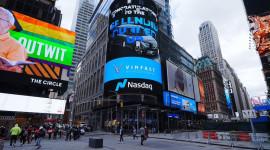 CHOÁNG: 9 thiết kế showroom VinFast xuất sắc nhất được vinh danh tại Quảng trường Thời đại (Mỹ)