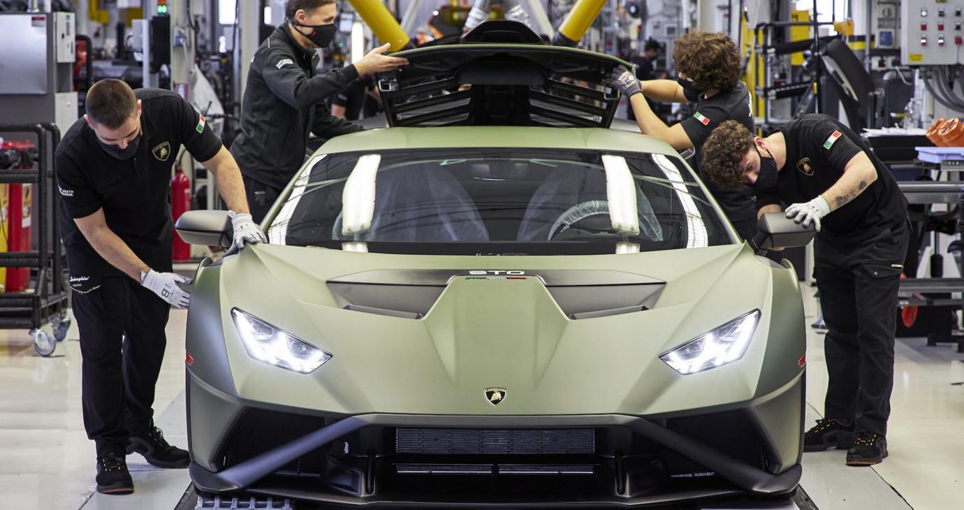 Lamborghini công bố kế hoạch điện khí hoá, hồi kết của động cơ hút khí tự nhiên?