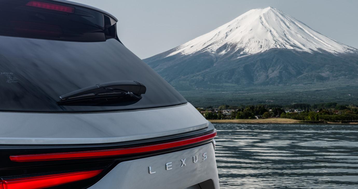 Lexus NX 2022 nhá hàng trước ngày ra mắt chính thức vào 11/6