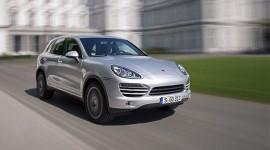 "Porsche Cayenne giành giải ""OFF ROAD AWARD 2012"""