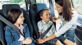 10 khuyến cáo khi trên xe có trẻ nhỏ