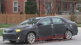 """""""Bắt gặp"""" mẫu xe sedan mới của Toyota trên đường thử"""
