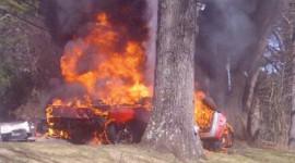 Siêu xe Ferrari cháy, tài xế thiệt mạng