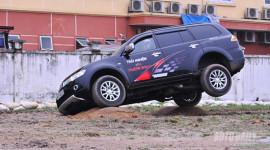 Phấn khích cùng Mitsubishi Pajero Sport