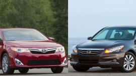 """Toyota Camry vs Honda Accord: """"Mèo nào cắn mỉu nào"""""""